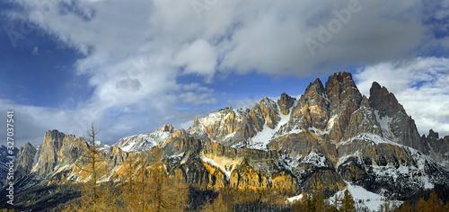 Dolomite mountains, Panorama of massif Forcella and Cristallo, Cortina d'Ampezzo, Provincie Belluno, Italy Canvas Print