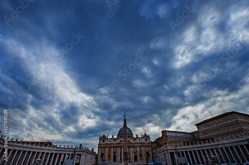 Saint Peter's Basilica in Vatican Canvas-taulu