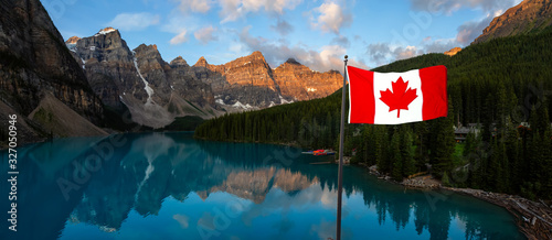 Obraz na płótnie Beautiful Panoramic view of an Iconic Famous Place, Moraine Lake, during a vibrant summer sunrise