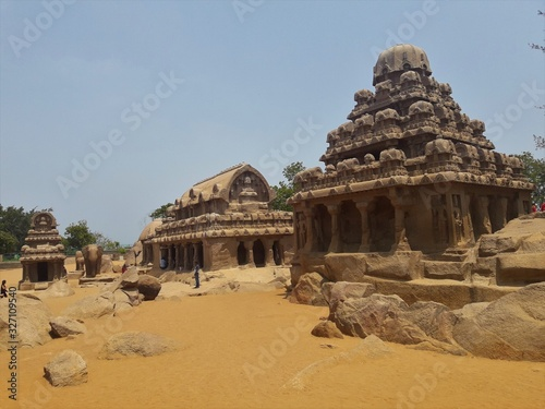 Obraz na plátně famous temples and sculptures at Mahabalipuram India