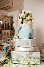 Modern Wedding Cake With Marbl...