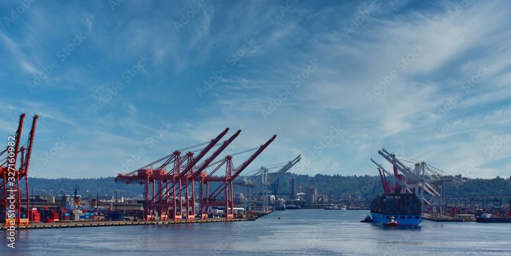 Fototapeta A large freight shipping operation at the port of Seattle