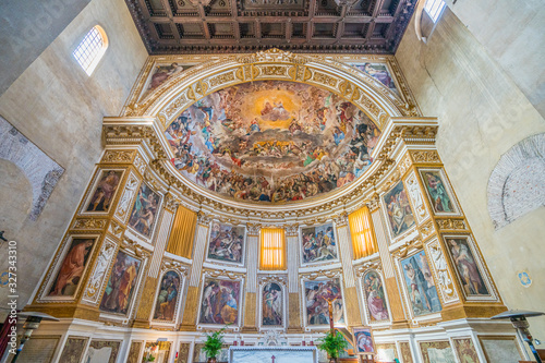 Photo Frescoed apse with The Glory of Heaven in the Santi Quattro Coronati Basilica in Rome, Italy