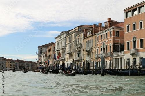 grand canal venice gondolas