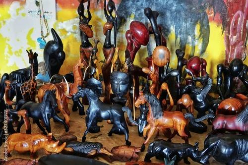 Staues et masques africains Canvas Print