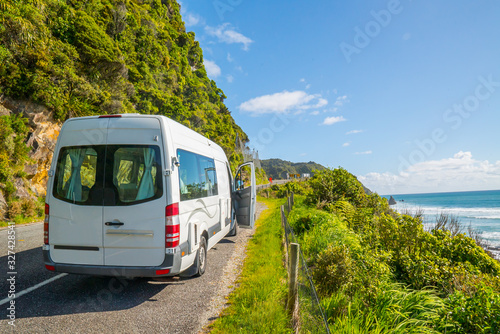 Campervan on the side of a deserted road on the South island in New Zealand Fototapet