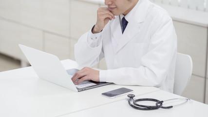 医療 医者 パソコン