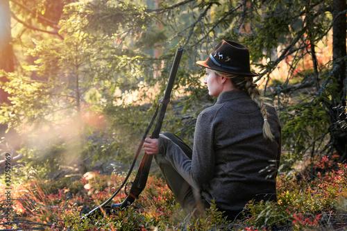 hunter with shotgun and rifle Fototapeta