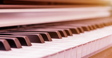 Wonderful Piano Synthesizer Wi...