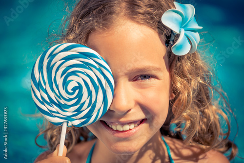 Fotografia, Obraz Happy child having fun on summer vacation
