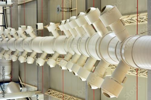 Sistema aire acondicionado, conductos redondos con difusores Canvas Print