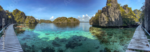 Fotomural Twin Lagoon in coron island, Palawan, Philippines