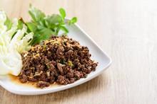 Traditional Northern Thai Food, Spicy Minced Pork Salad (Larb Moo Kua)