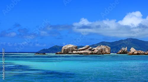Photographie Vue d'un lagon typîque des Seychelles