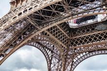Paris, France. Construction Ei...