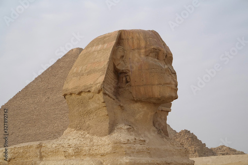Great Sphinx and Great Pyramid of Giza, Egypt Canvas-taulu