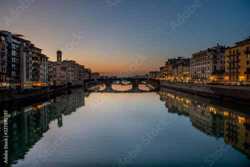 Photo City of Florence arno