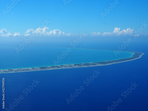 Photo French Polynesia atol from above