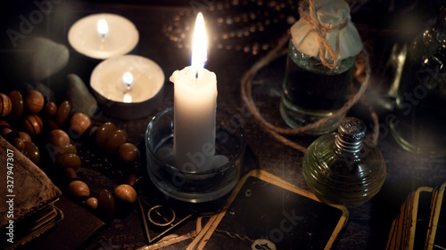 Occulture concept. Attributes for a fortune-telling session. Fototapet
