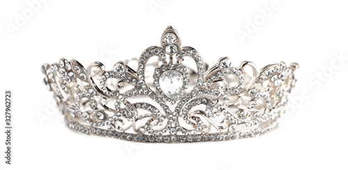 Fotomural A Silver Crown Isolated on a White Background