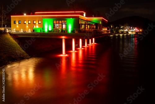 Letmathe Sauerland Nacht Lenne Brücke Lichter Stadt Illumination Wasser Spiegelu Canvas-taulu