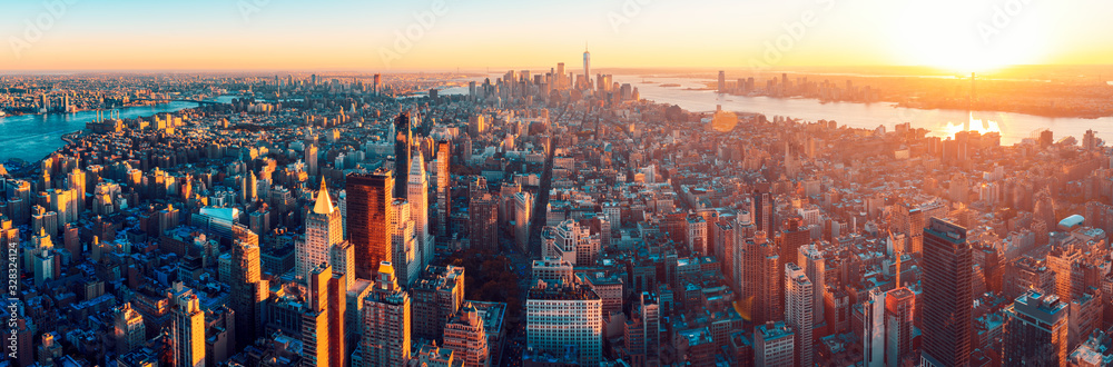 Fototapeta Amazing aerial panoramic view of Manhattan wit sunset