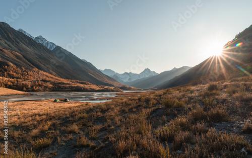 Photo Mountain autumn landscape and river