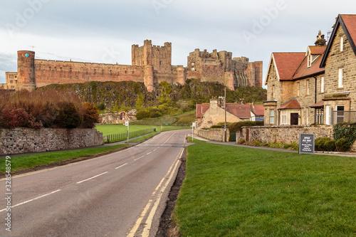Fotomural Bamburgh Castle & Village