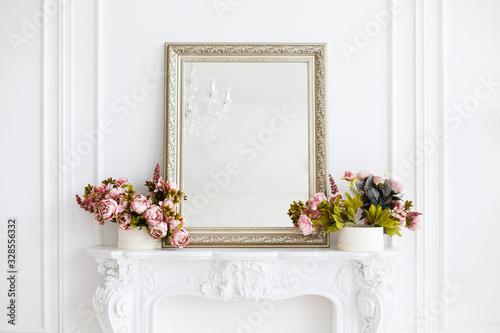 Fotografie, Obraz mirror in a classic luxury room in light colors