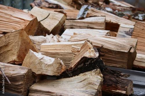 gespaltenes Brennholz zum Heizen Canvas Print