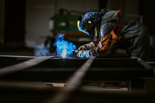 Professional Welder With Prote...