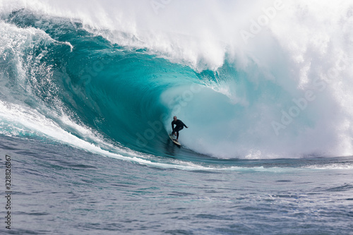 Photo Surfing at Shipstern Bluff