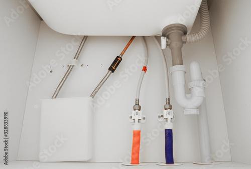 洗面所の下の排水管 Tablou Canvas