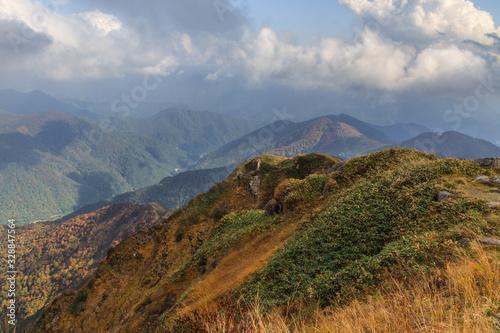 Fototapety, obrazy: 秋の天神峠から谷川岳への登山道からみた風景