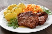 Mięso Wieprzowe Duszone Z Zie...