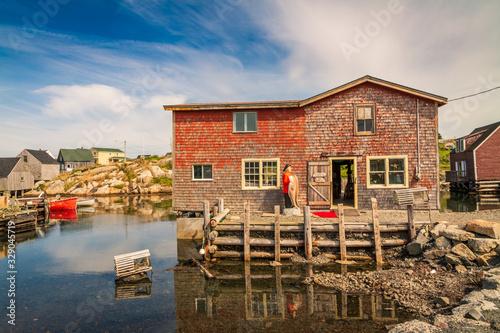 Fotografía Beautiful Peggy's Cove on the coastline of Nova Scotia Canada on a fine August afternoon