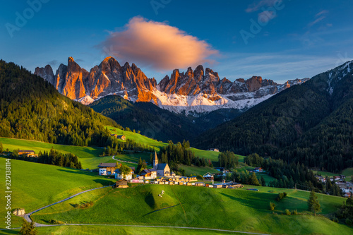 Obraz Santa Maddalena (Santa Magdalena) village with magical Dolomites mountains in autumn, Val di Funes valley, Trentino Alto Adige region, South Tyrol, Italy, Europe. Santa Maddalena Village, Italy. - fototapety do salonu