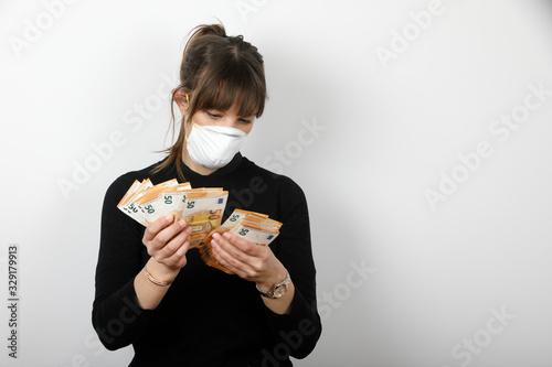 corona virus e soldi contanti Canvas Print