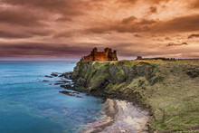 Tantallon Castle In East Lothian, Scotland Is A Semi-ruined Cliff-top Fortress Dating To The Mid-14th Century And With Historic Connections To The Douglas Dynasty, Mary Queen Of Scots.
