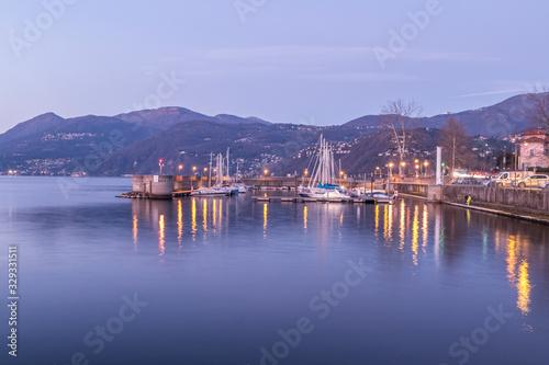Obraz na plátne Port of Luino with night lights