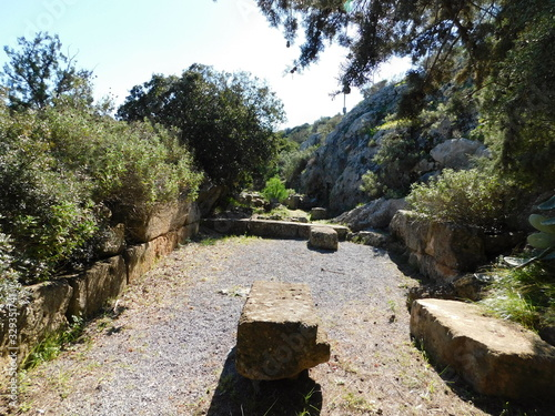 Photo The tomb of Iphigenia, at the ancient sanctuary of Artemis, in Brauron or Vravro