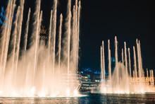 Dubai Dancing Fountain The Wonderful Evening Show