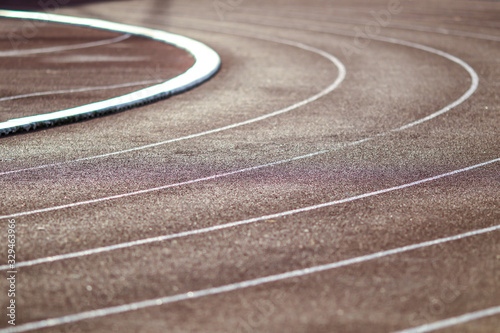 Cuadros en Lienzo Red running sport track background and texture