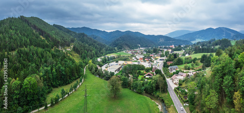Cuadros en Lienzo Beautiful panoramic view of small town situated between hills and mountains in Lower Austria