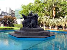 'El Entrevero': Bronze Sculptu...