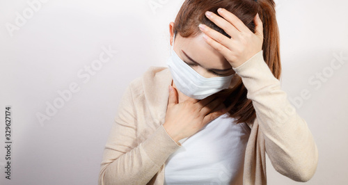 Woman wearing face mask protect filter pm2.5 anti pollution. Tableau sur Toile