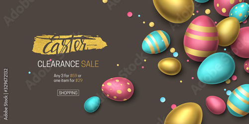 Foto Elegant horizontal sale banner with confetti and 3D realistic golden, blue, pink eggs on dark background