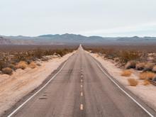 Road To Mojave Dessert On Sunn...