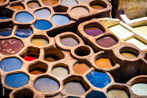 Fotomural Fez is also famous for its old leather Tanneries