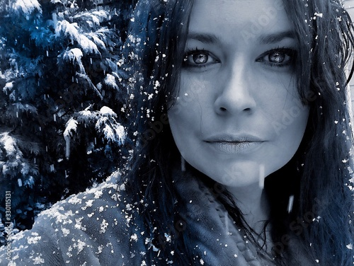 Foto Close-up Portrait Of Woman During Snowfall